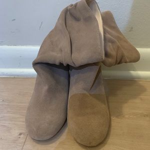 Slouchy suede tan sole society boots